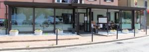 Alzanti-scorrevoli-Eku-per-ristorante-Dai-Monelli-Varese (2)