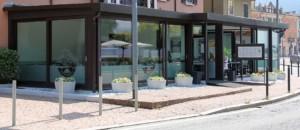 Alzanti-scorrevoli-Eku-per-ristorante-Dai-Monelli-Varese (9)