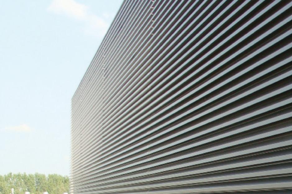 EKU GRID è un sistema per realizzare griglie frangisole in alluminio - grid facade