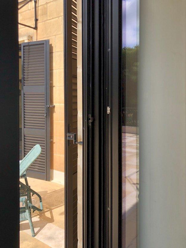 Serramenti in alluminio Eku 66TT HPS per villa di Malta - 7